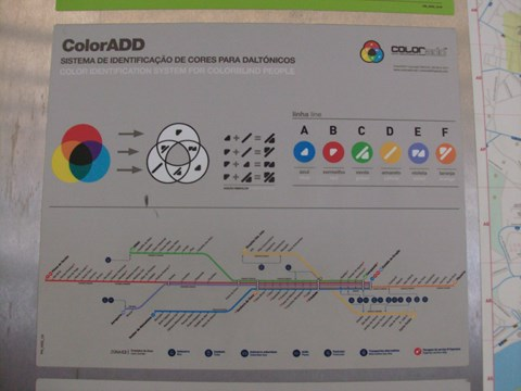 Explanatory panel photography of ColorADD implementation (associating each color / symbol to every subway line) in Trindade Metro Station
